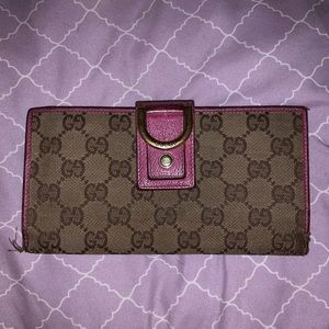 Authentic Gucci Abbey Wallet